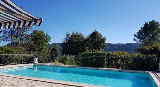 Bagnols en foret, 2 maisons avec piscine
