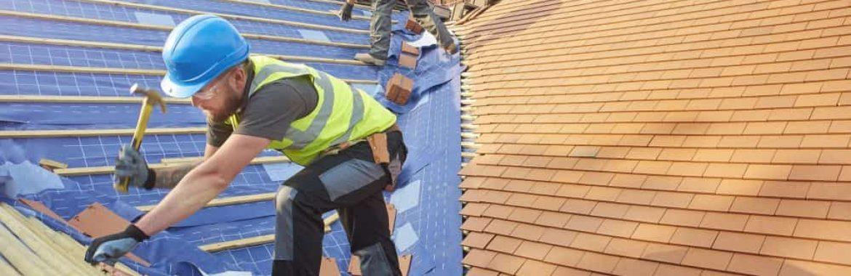 Pente de toiture : les normes à respecter lors de la construction