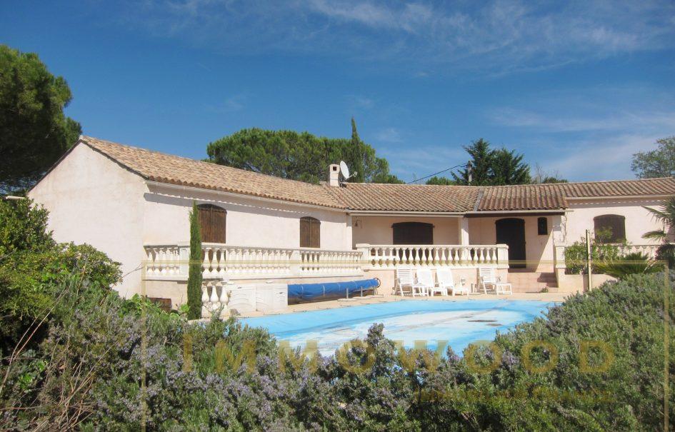 Bagnols en foret, villa avec piscine