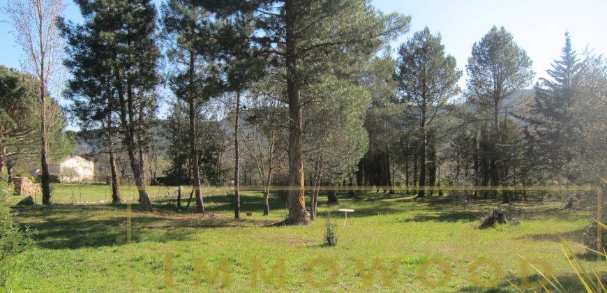 Bagnols en foret, 5 lots de terrains à bâtir