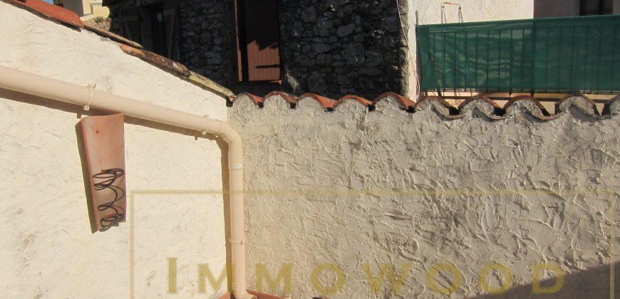 Bagnols en foret, maison en pierre