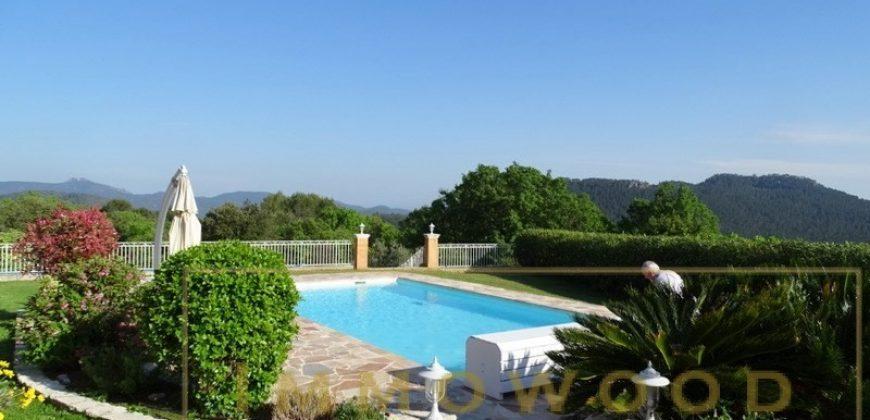 Bagnols en foret, villa contemporaine 230 m² sur un terrain de 6300 m²