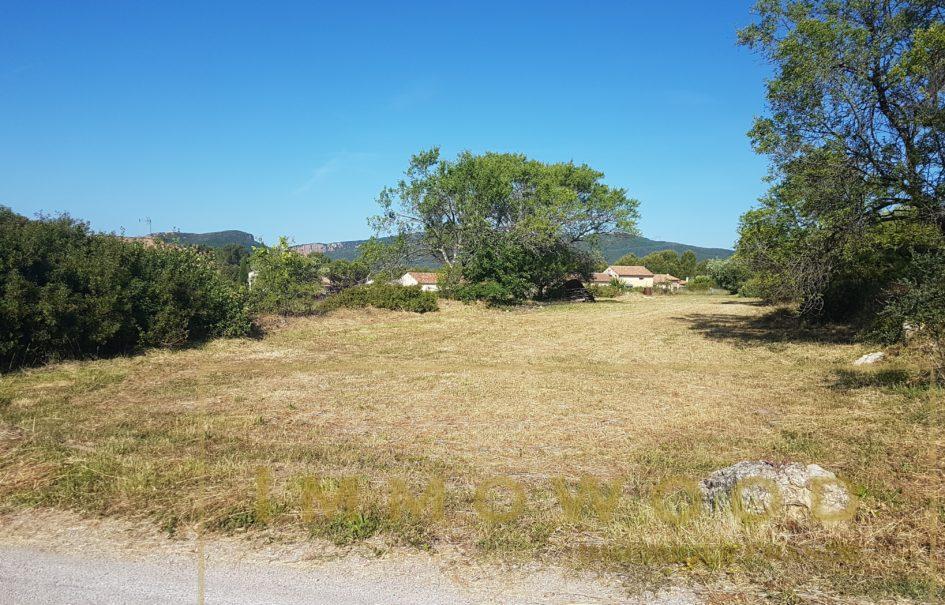Bagnols en Foret , Terrain à bâtir 1200 m²