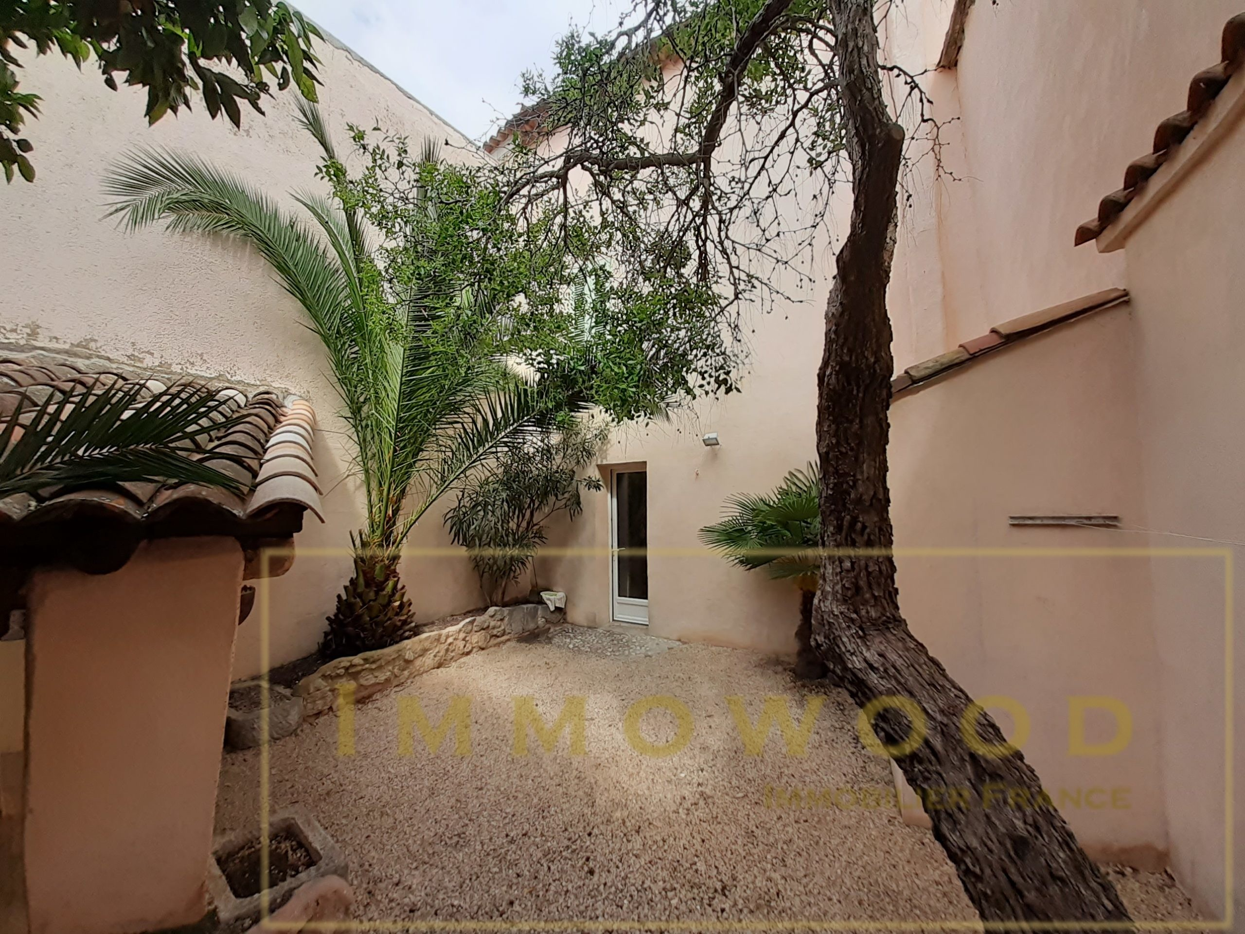Maison de 90 m² avec Jardin