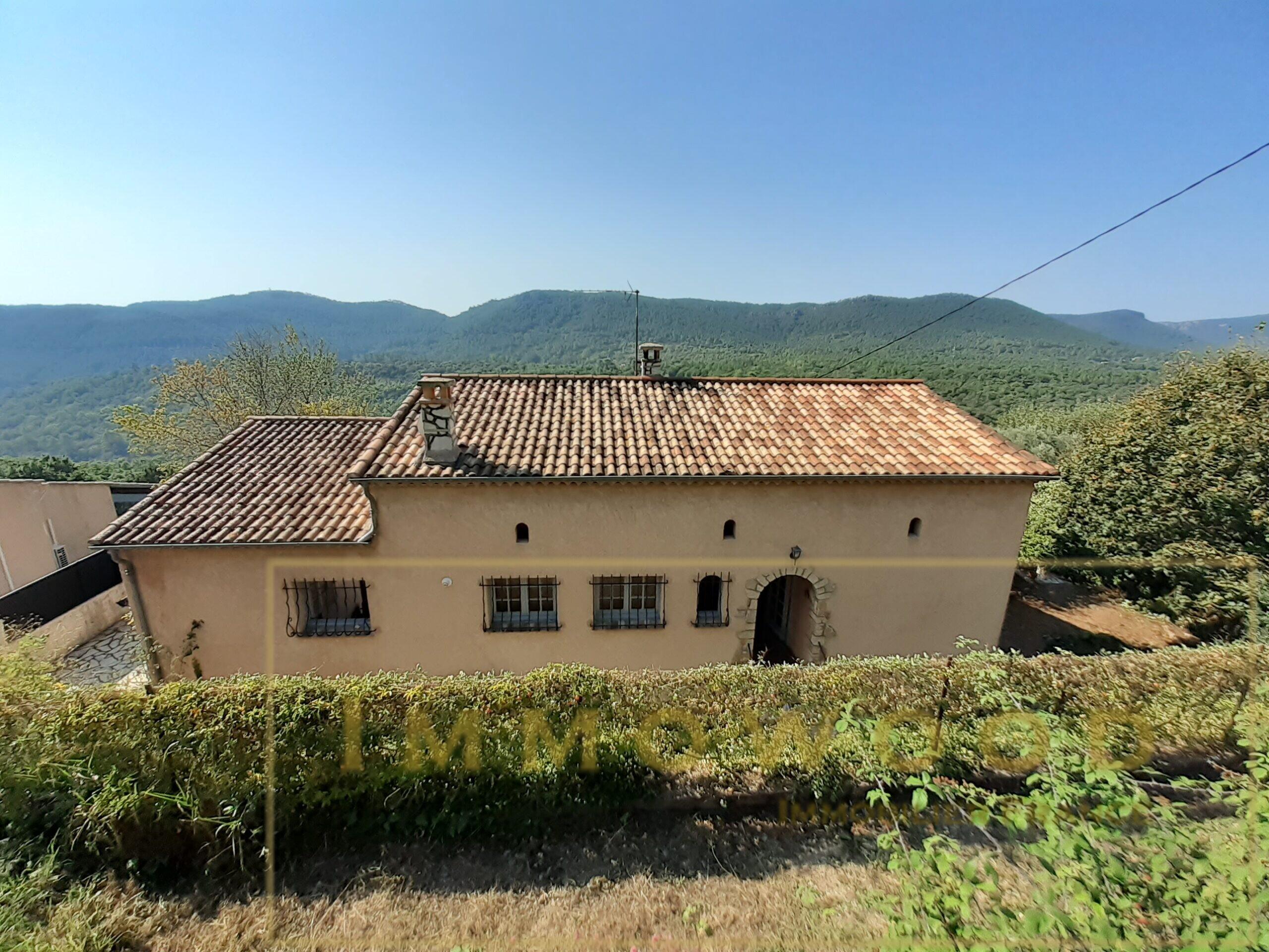 Maison à 100 mètres du Village